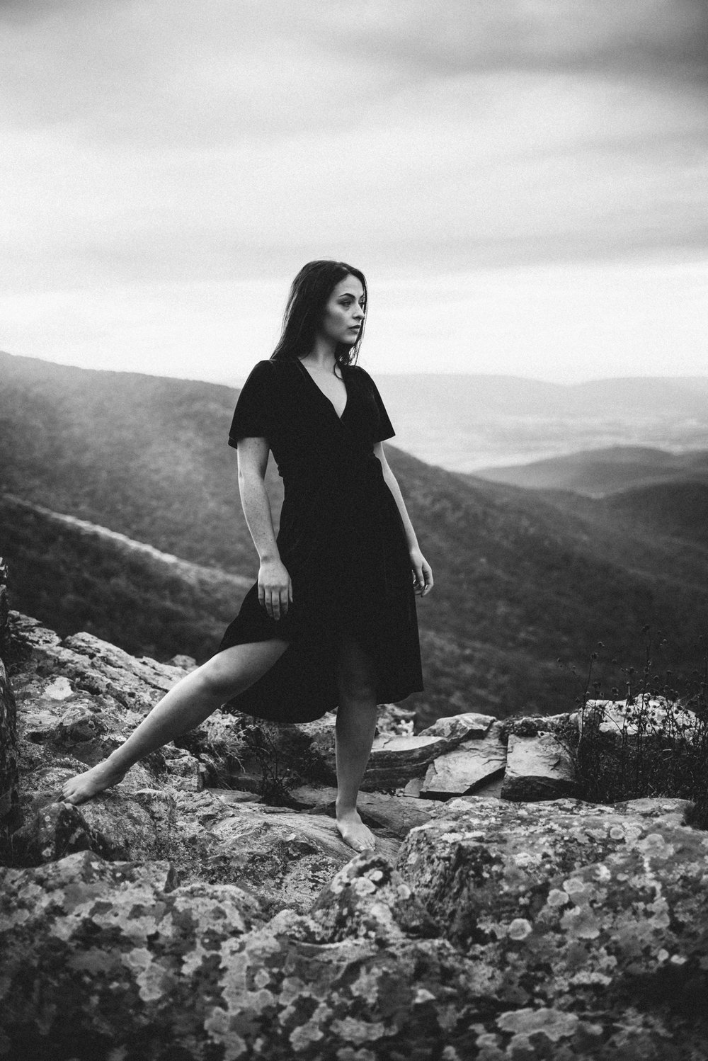 Megan_Shenandoah_National_Park_Windy_Romantic_Portraits_88.JPG