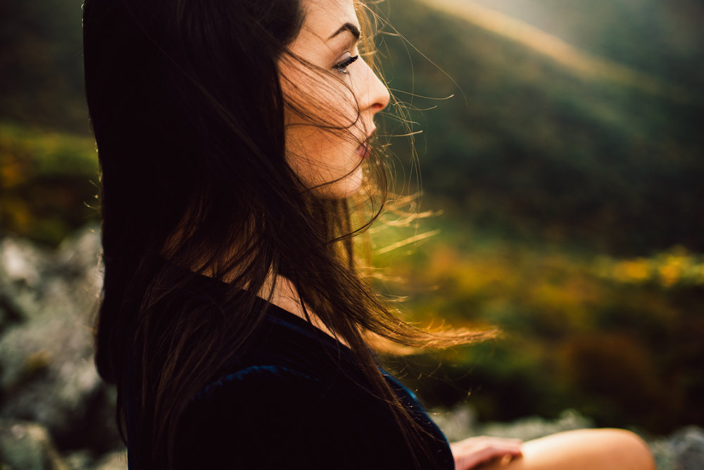 Megan_Shenandoah_National_Park_Windy_Romantic_Portraits_105.JPG