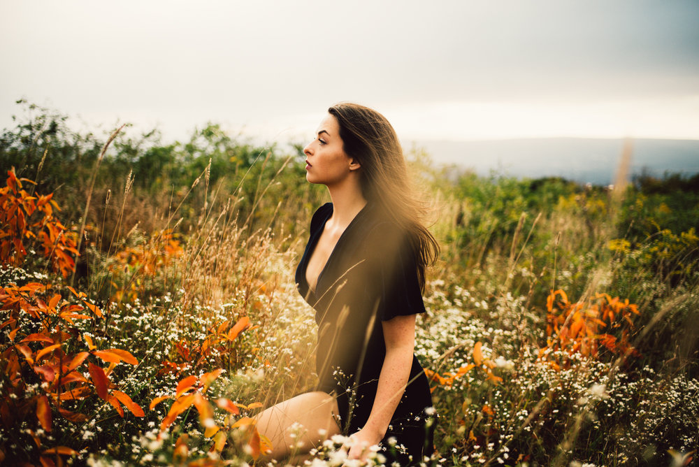 Megan_Shenandoah_National_Park_Windy_Romantic_Portraits_152.JPG