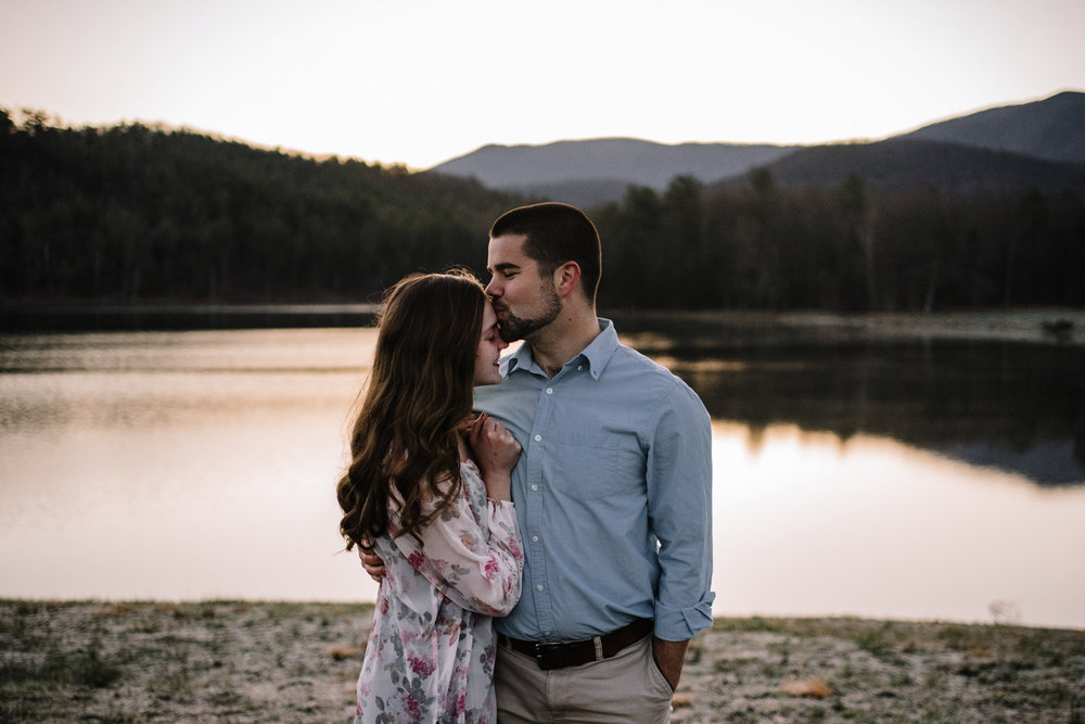 Sunrise Lake Engagement Photos - Early Morning - Couple Photo Shoot - White Sails Adventure Photography_8_1.JPG