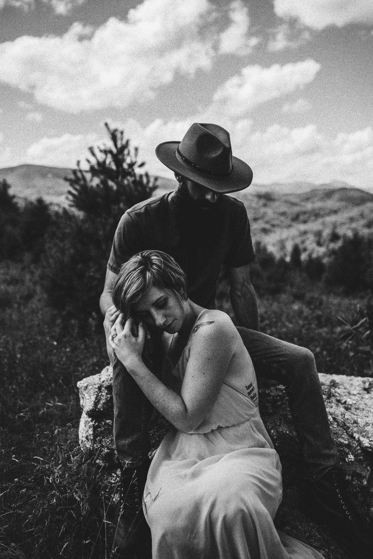 Justyn and Cj - Boone North Carolina - Blue Ridge Mountains - Adventure Couple Session - White Sails Creative_20.JPG