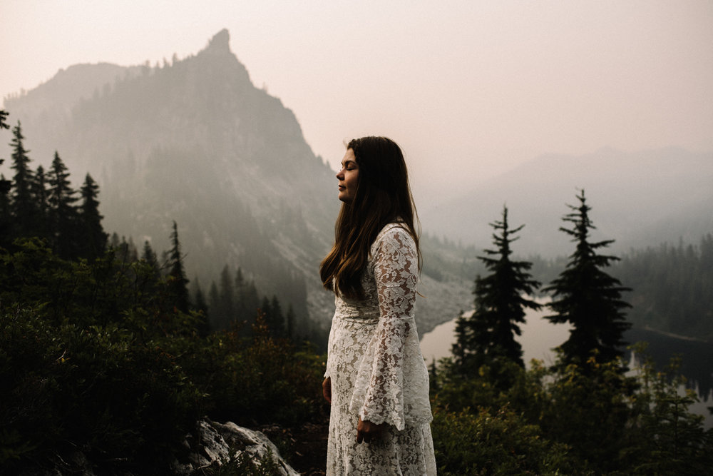 Megan+and+Andrew+Lake+Valhalla+Washington+PNW+Adventure+Elopement+White+Sails+Creative+Sunrise+Hike_16.jpg