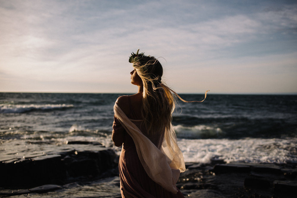 Madeira+Creative+-+Clare+Kolars+-+Emilee+Bridal+Portraits+-+White+Sails+Photography+-+North+Shore+-+Lake+Superior_33.jpg