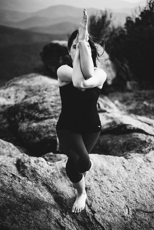Yoga+Mountain+Top+Yoga+Portraits+at+Shenandoah+National+Park_2.jpg