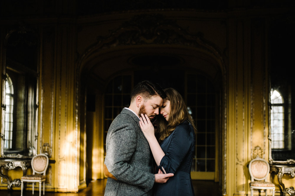 Ronja+and+Victor+Intimate+Castle+Couple+Portrait+Session+Germany+Muse+and+Mirror.jpg