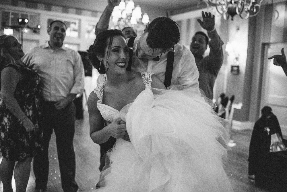 White-Sails-Creative-Shenandoah-Valley-Virginia-Page-County-Wedding_91.jpg