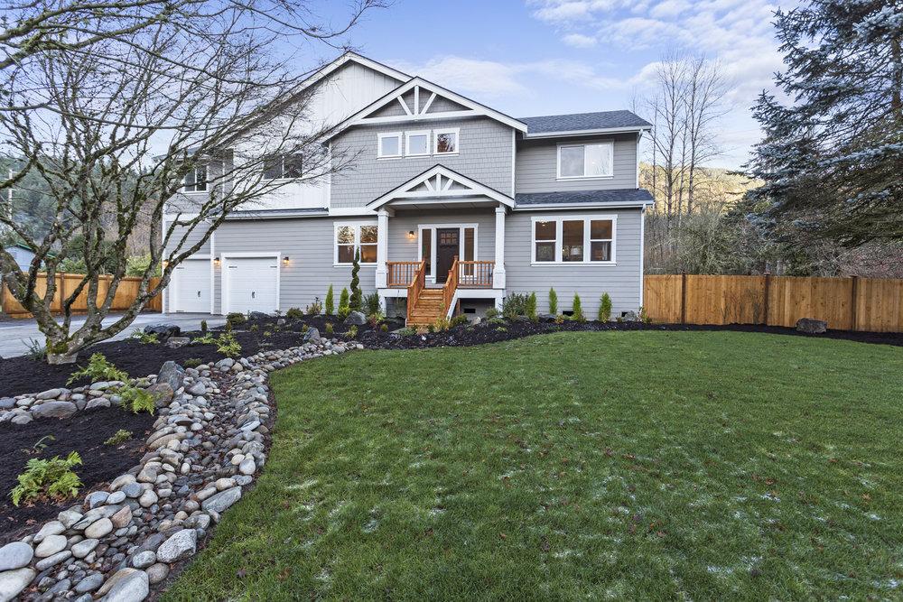 Downtown Residence - Issaquah, WA  1106 Lewis Lane SE Issaquah, WA - 3,568 Square Feet Status: Sold