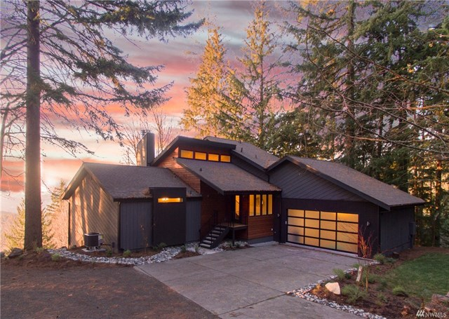 Tiger Mountain Residence - Issaquah, WA  Shy 4,000sqft Northwest Contemporary Home sitting atop Tiger Mountain with breathtaking views. 3,960 Square Feet 2+ Acres Status - Sold
