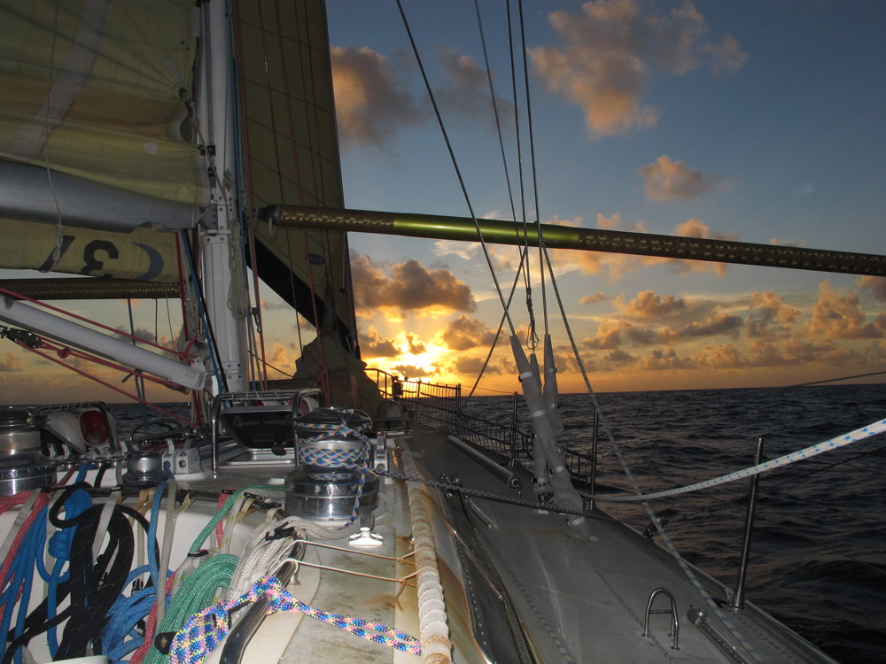 Sailing into the sunset, Middle of the South Pacific