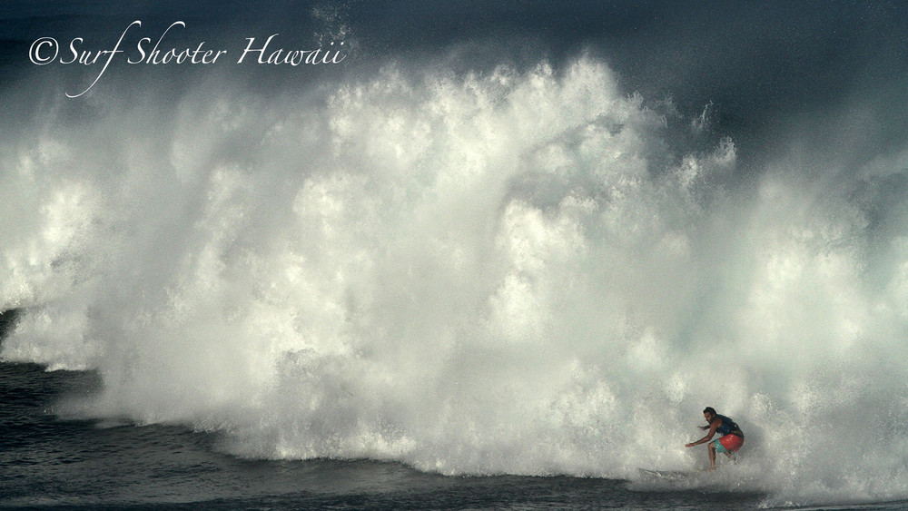 Between a rock and a hard place, Waimea Bay, North Shore, Oahu, Hawaii