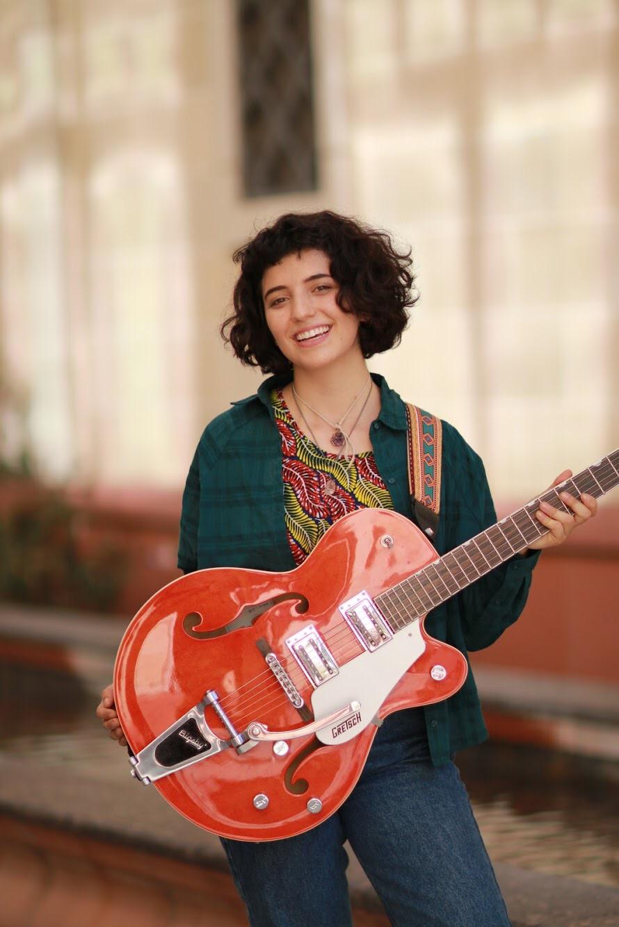 Voice, Guitar & Bass Teacher Jess Kallen