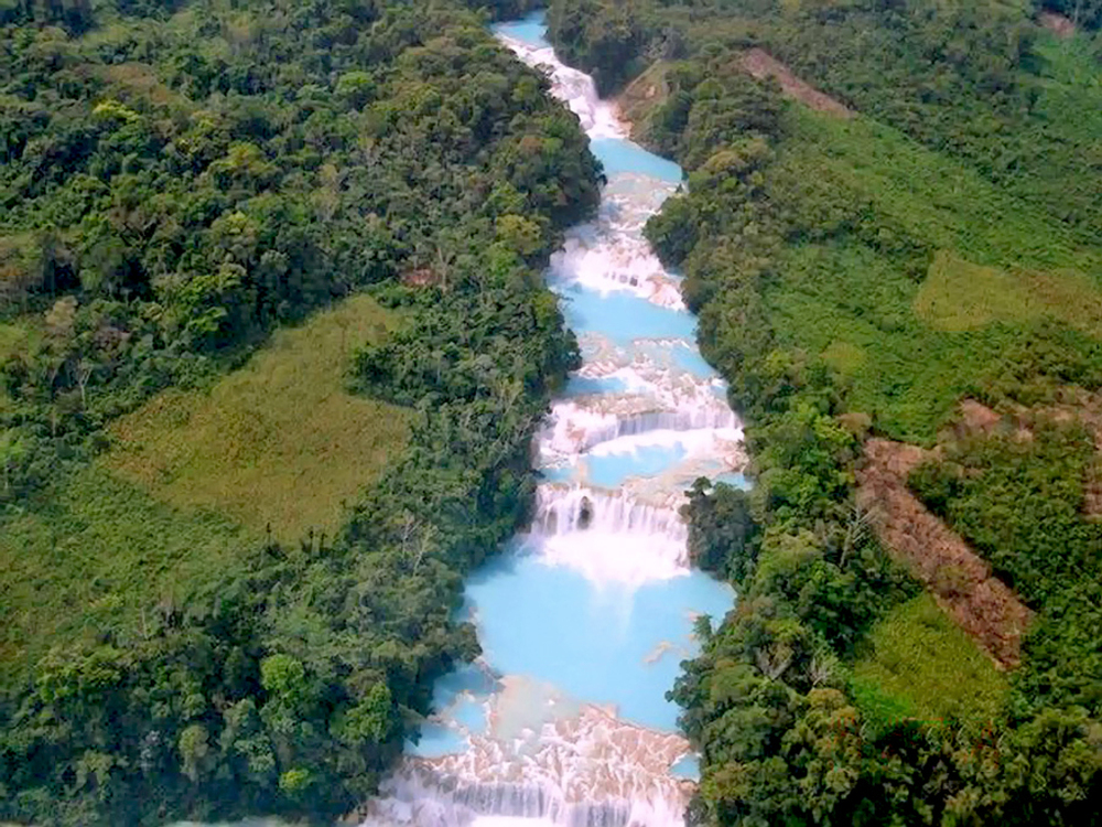 cascadas de agua azul - source: taringa.net