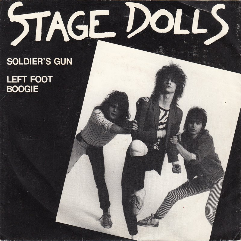 stage-dolls-soldiers-gun-mercury.jpg