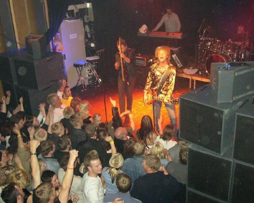 stagedolls-rjukanrockfestival-2003-1.jpg