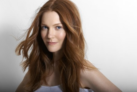 So glad to have the brilliant Darby Stanchfield joining the Locke clan as Nina Locke .