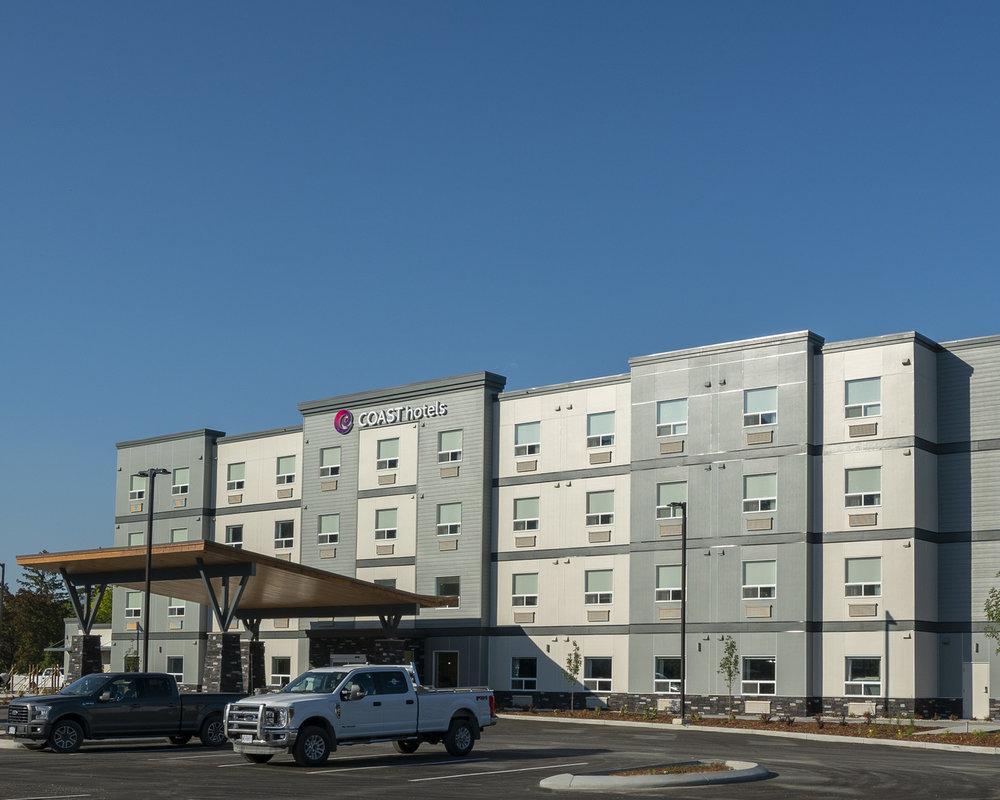 Coast Oliver Hotel Exterior.jpg