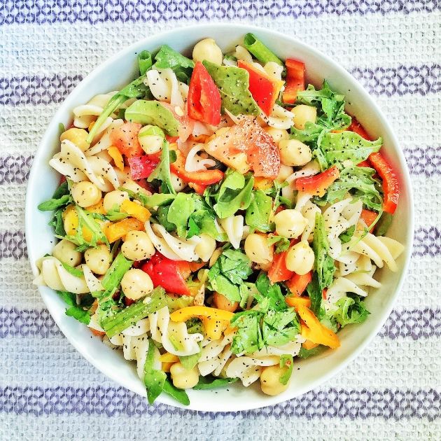 Lemony Pasta Salad With Sweet Peppers & Chickpeas | Portable Healthy Recipes | Homemade Recipes
