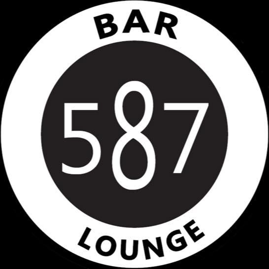 Bar 587