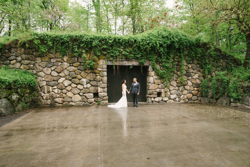 blue-hill-stone-barns-wedding-016.jpg