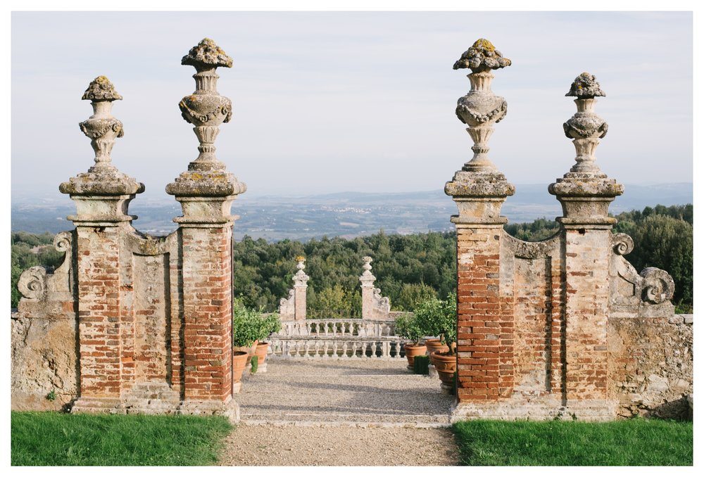 tuscany-castle-wedding-photographer-italy-williamsburgphotostudios-_0008.jpg