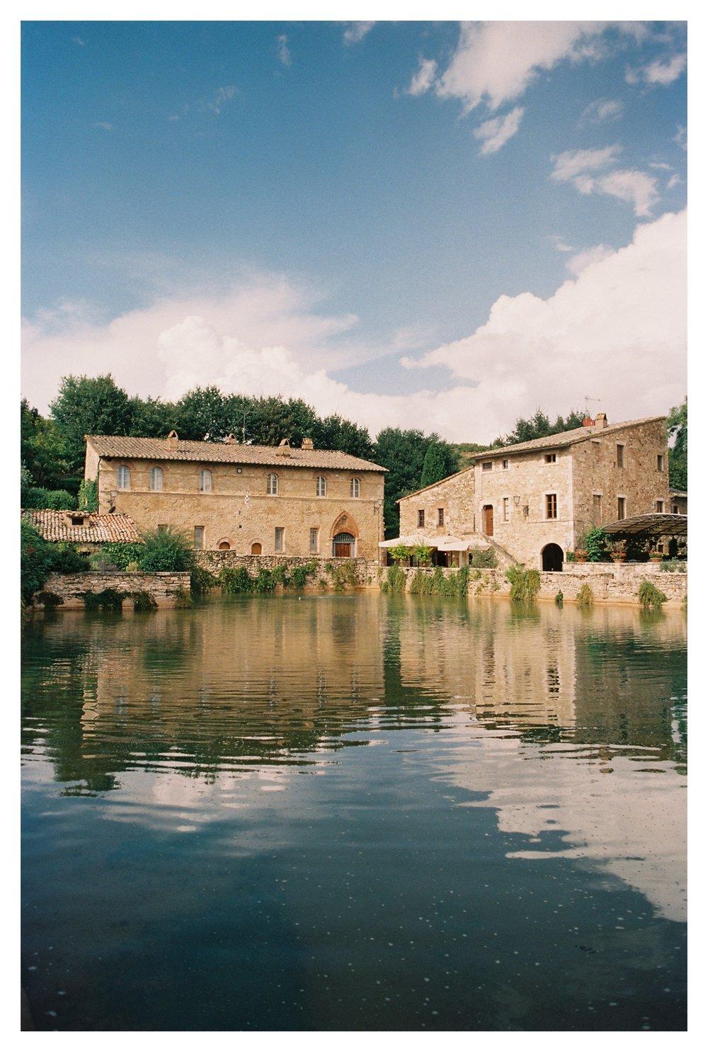 tuscany-destination-wedding-photographer-bagno-vignoni_0005.jpg
