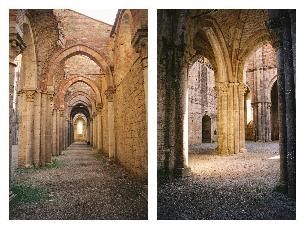 tuscany-destination-wedding-photographer-Abbey-of-San-Galgano_0007.jpg
