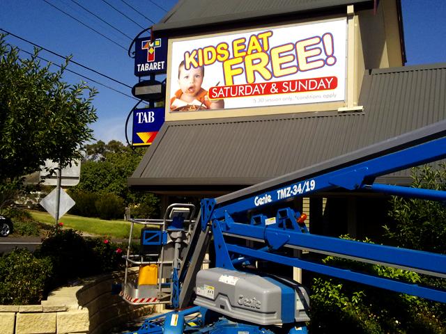 Kids Eat Free Signs Geelong.jpg