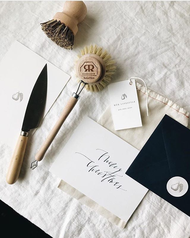 All I want for Christmas is for everybody to keep styling my cards really pretty like... oh, and everything from @murlifestyle shop too. 😍✨👌🏼 📷: @mandinelson_