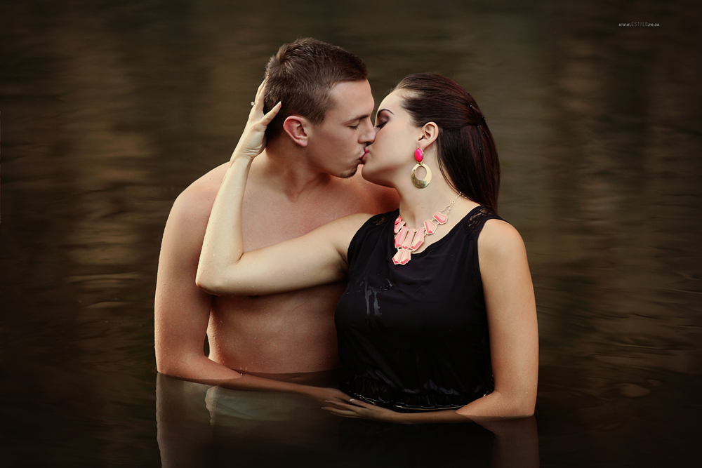 engagement-shoot-johannesburg-engagement-shoot-in-water-engagement-shoot-magaliesburg-engagement-shoot-south-africa_0001.jpg