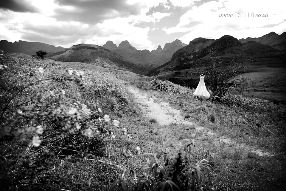 cathedral_peak_wedding_photography_wedding_at_catherdral_peak_south_africa_best_wedding_photographers_south_africa (22).jpg