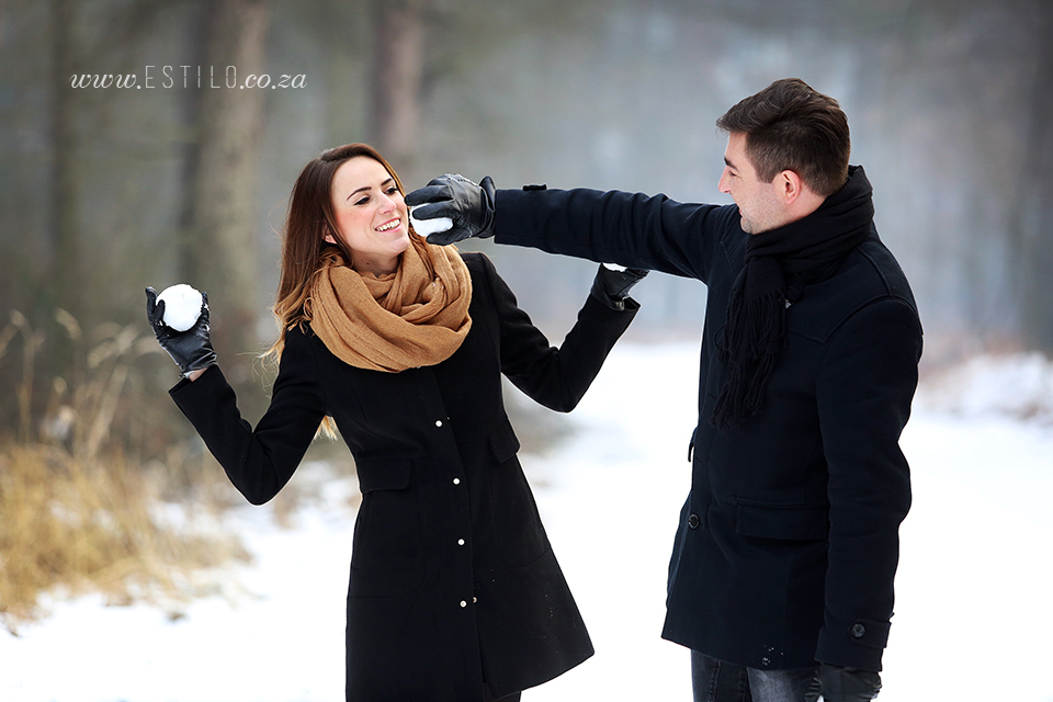 poland_engagement_shoot_winter_engagement_shoot_engagement_shoot_in_snow (9).jpg
