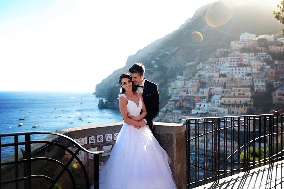 positano-weddin-photographers-italy-wedding-photographers-destination-wedding-photographers-estilo-best-wedding-photographers-in-the-world-casper-bosman-wedding-gown-wedding-style-stylish-modern-wedding-photography-000.jpg