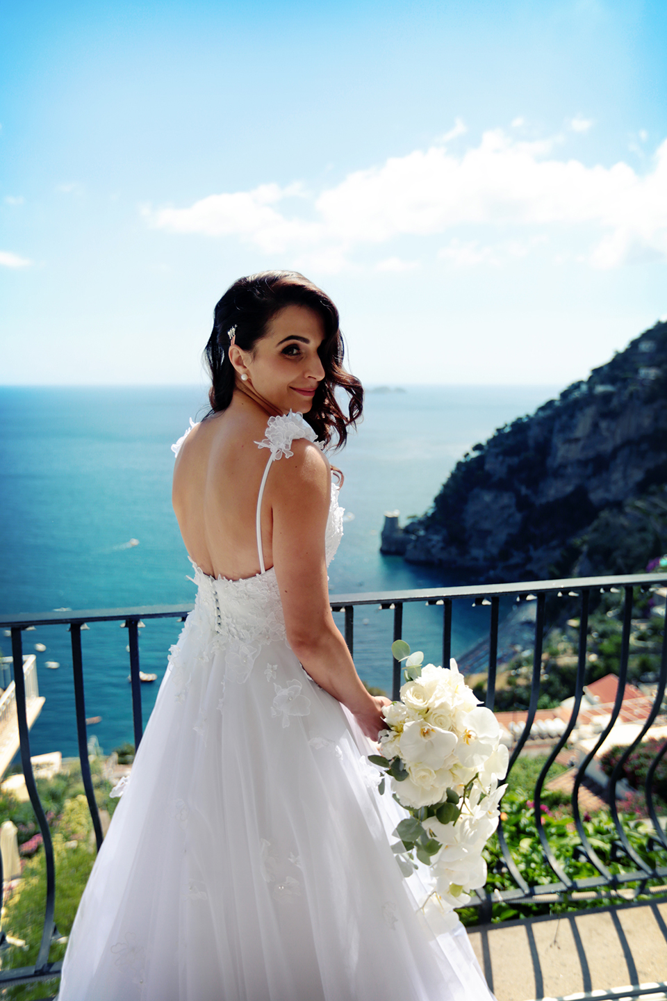 positano-weddin-photographers-italy-wedding-photographers-destination-wedding-photographers-estilo-best-wedding-photographers-in-the-world-casper-bosman-wedding-gown-wedding-style-stylish-modern-wedding-photography-024.jpg