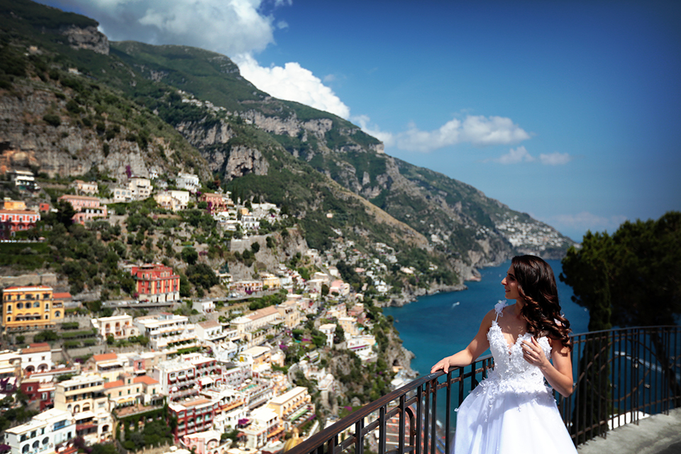 positano-weddin-photographers-italy-wedding-photographers-destination-wedding-photographers-estilo-best-wedding-photographers-in-the-world-casper-bosman-wedding-gown-wedding-style-stylish-modern-wedding-photography-029.jpg