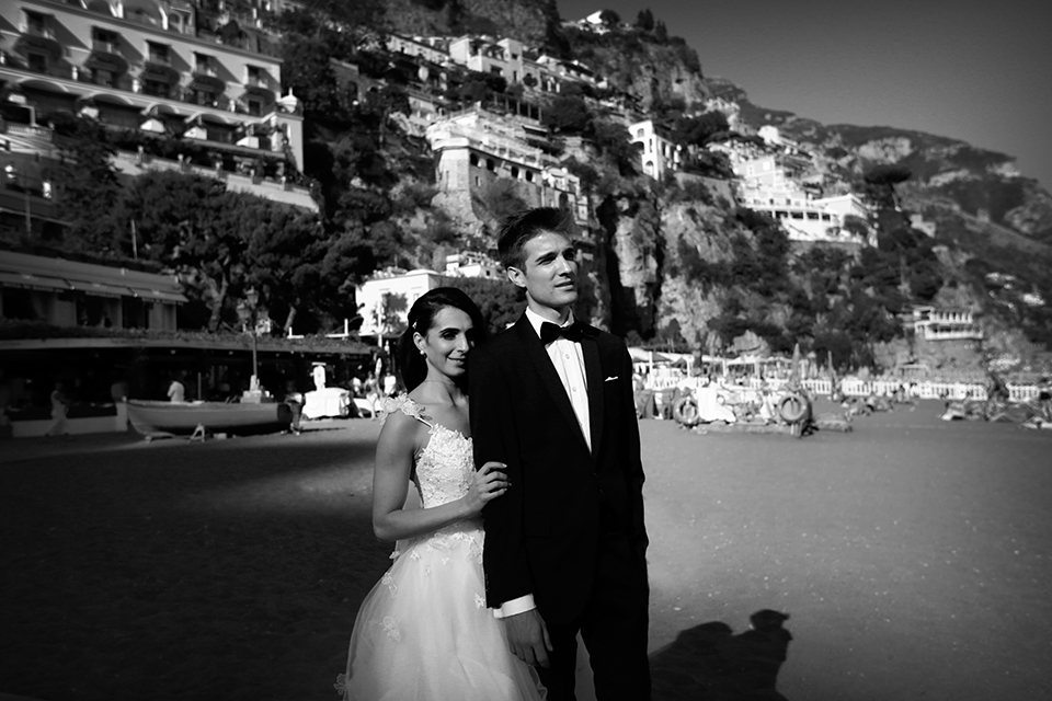 positano-weddin-photographers-italy-wedding-photographers-destination-wedding-photographers-estilo-best-wedding-photographers-in-the-world-casper-bosman-wedding-gown-wedding-style-stylish-modern-wedding-photography-041.jpg