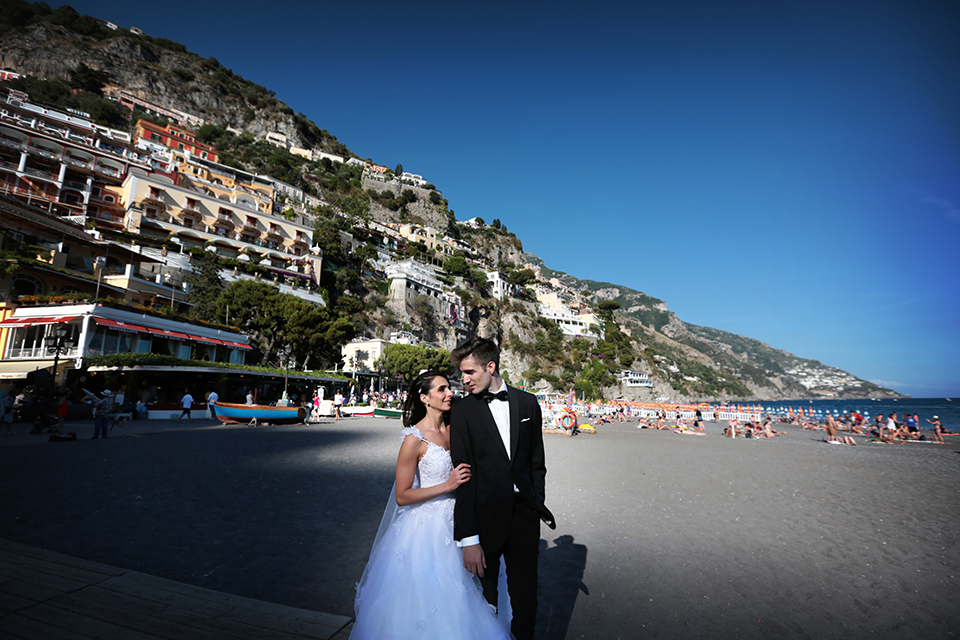 positano-weddin-photographers-italy-wedding-photographers-destination-wedding-photographers-estilo-best-wedding-photographers-in-the-world-casper-bosman-wedding-gown-wedding-style-stylish-modern-wedding-photography-043.jpg