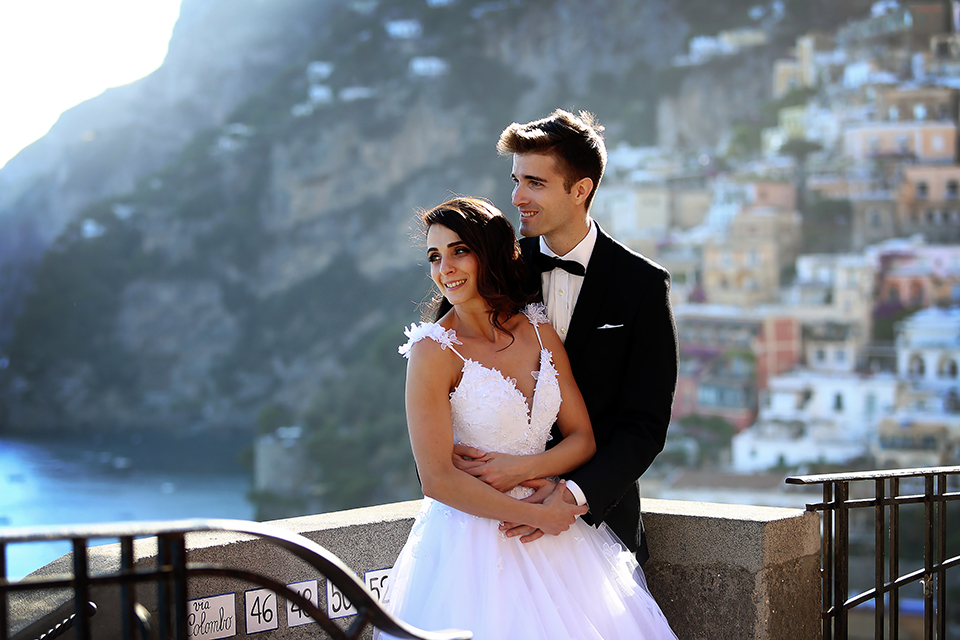 positano-weddin-photographers-italy-wedding-photographers-destination-wedding-photographers-estilo-best-wedding-photographers-in-the-world-casper-bosman-wedding-gown-wedding-style-stylish-modern-wedding-photography-045b.jpg