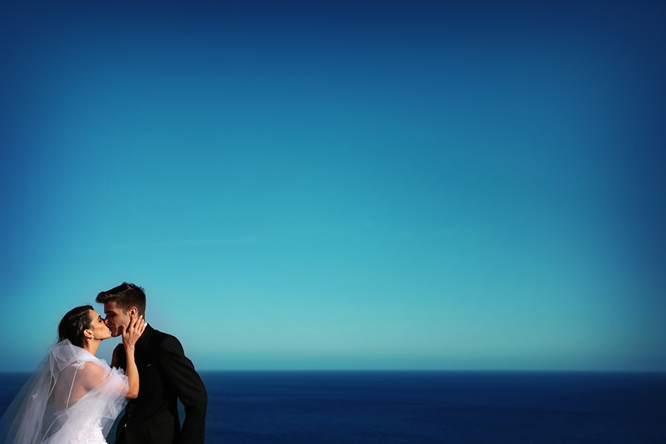positano-weddin-photographers-italy-wedding-photographers-destination-wedding-photographers-estilo-best-wedding-photographers-in-the-world-casper-bosman-wedding-gown-wedding-style-stylish-modern-wedding-photography-049.jpg
