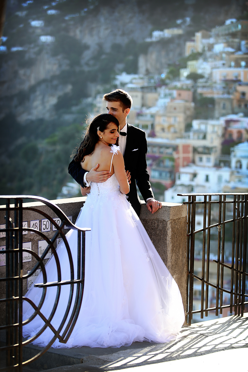 positano-weddin-photographers-italy-wedding-photographers-destination-wedding-photographers-estilo-best-wedding-photographers-in-the-world-casper-bosman-wedding-gown-wedding-style-stylish-modern-wedding-photography-053b.jpg