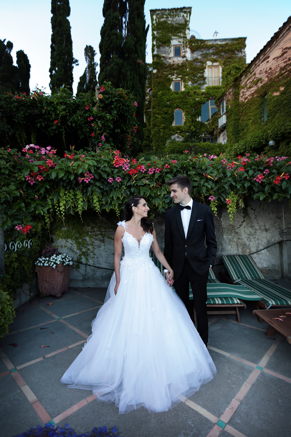 positano-weddin-photographers-italy-wedding-photographers-destination-wedding-photographers-estilo-best-wedding-photographers-in-the-world-casper-bosman-wedding-gown-wedding-style-stylish-modern-wedding-photography-056.jpg