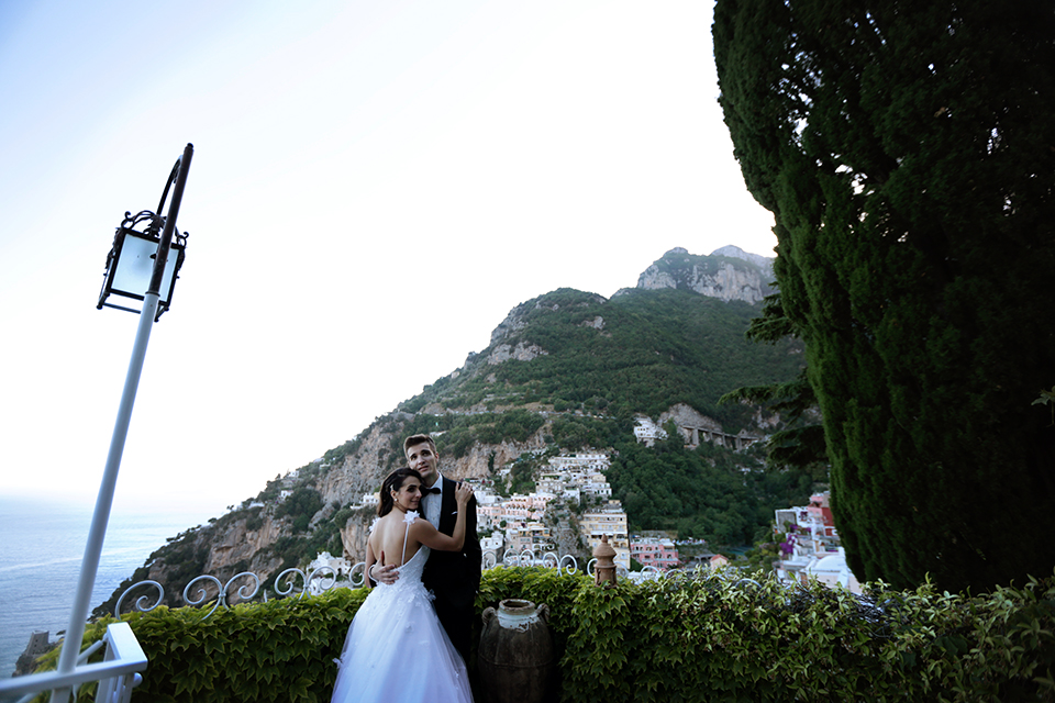 positano-weddin-photographers-italy-wedding-photographers-destination-wedding-photographers-estilo-best-wedding-photographers-in-the-world-casper-bosman-wedding-gown-wedding-style-stylish-modern-wedding-photography-060b.jpg