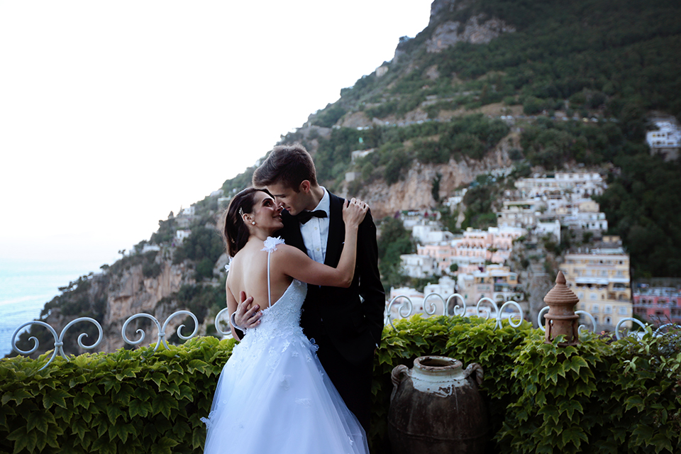 positano-weddin-photographers-italy-wedding-photographers-destination-wedding-photographers-estilo-best-wedding-photographers-in-the-world-casper-bosman-wedding-gown-wedding-style-stylish-modern-wedding-photography-061.jpg