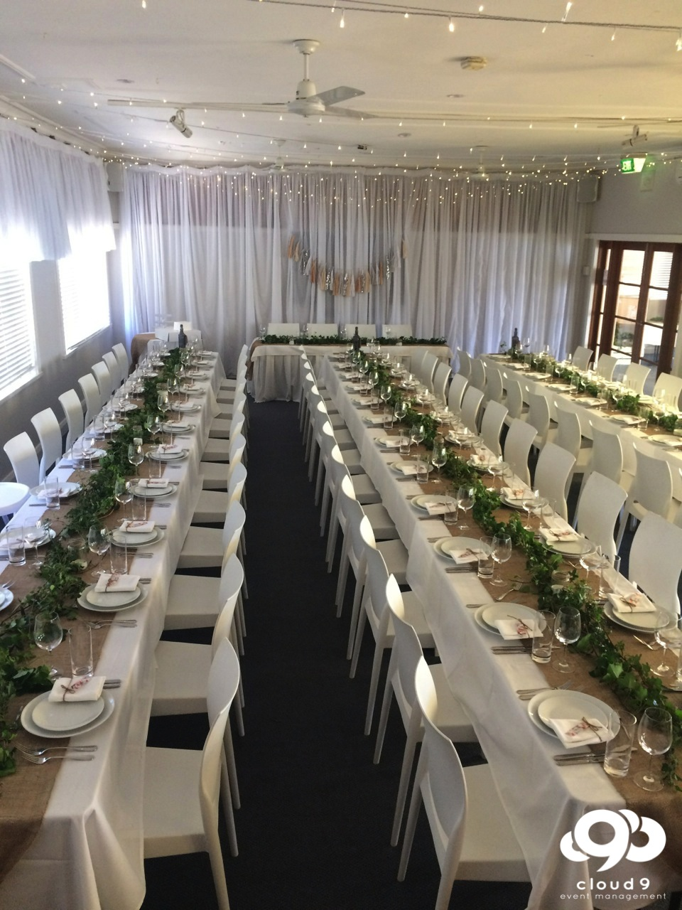 Manly Yacht Club : formal long table setting