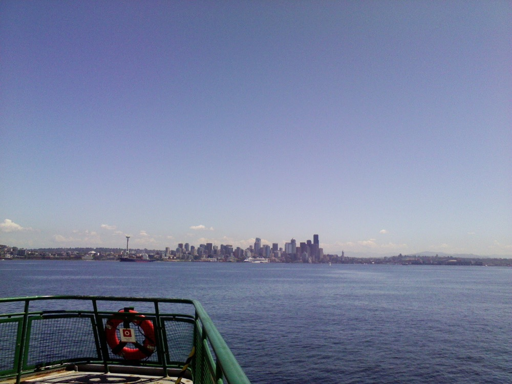 Seattle skyline photo. This one's a bit far away...