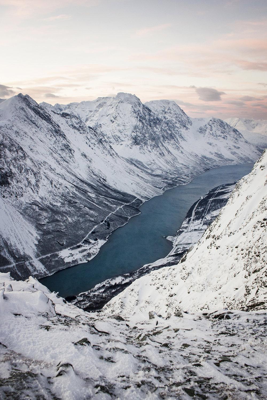 travel-photographer-lyngen-alps.jpg