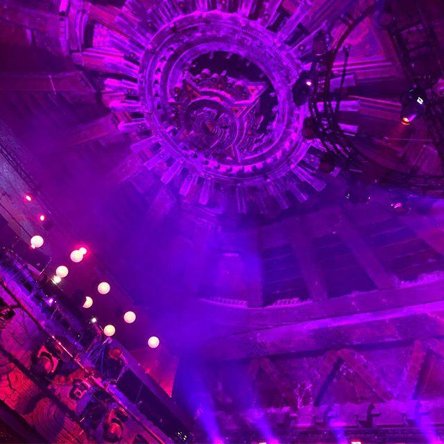 The Mayan theatre ceiling / El techo del teatro Mayan @luchavavoom #luchalife