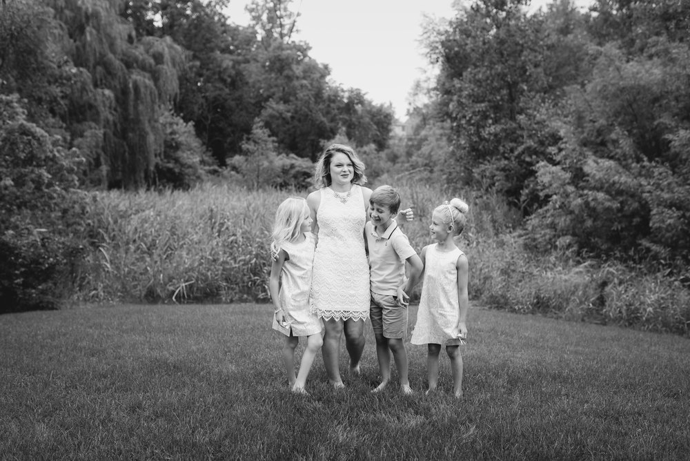 photography-meg-miller-bw (10 of 40).jpg