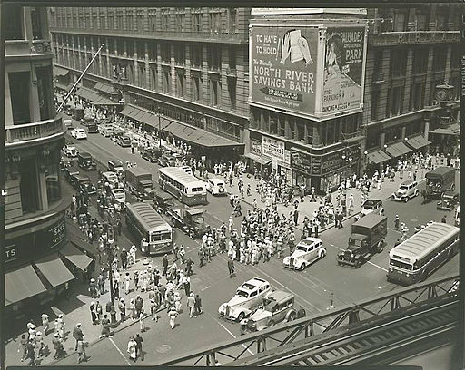 Herald Square 34th and Broadway in Manhattan in 1936   By Abbott, Berenice [Public domain], via Wikimedia Commons