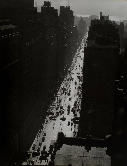 Seventh Avenue looking south from 35th Street in Manhattan - 1935   By Berenice Abbott [Public domain], via Wikimedia Commons