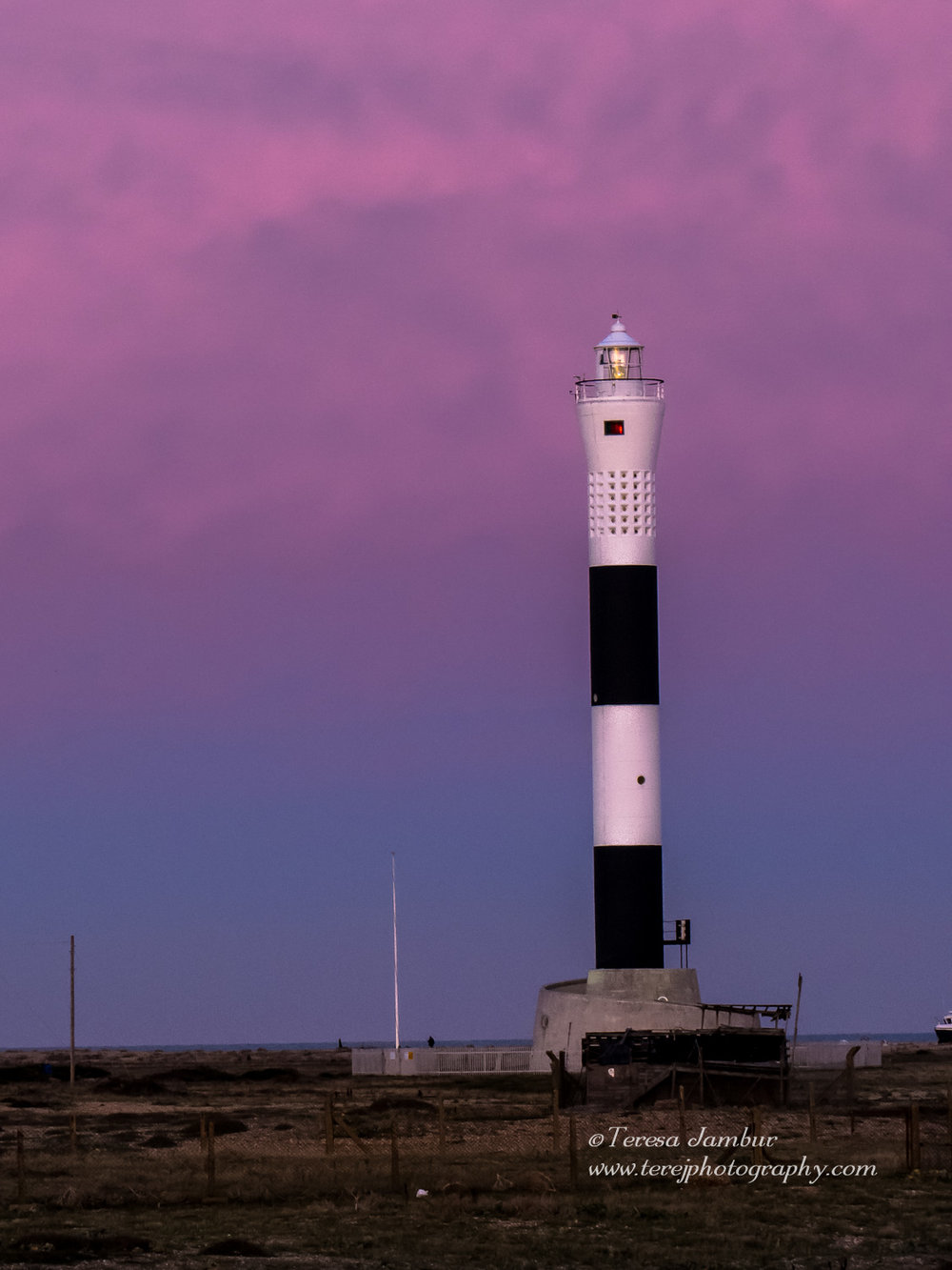 Dungeness-lighthouse-sunset.jpg